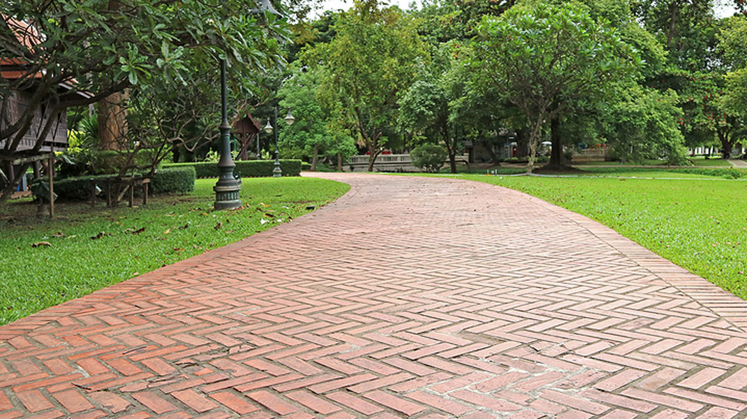 The Benefits of Pavers for Commercial Landscaping
