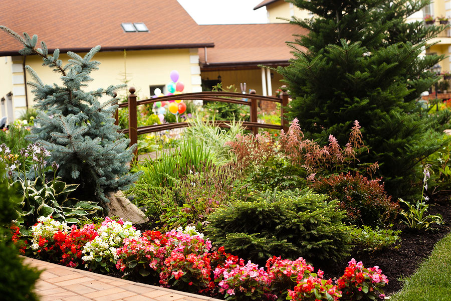 Benefits of Mulch for Commercial Landscapes